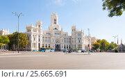 Купить «Palacio de Cibeles in sunny day. Madrid, Spain  28014  Испания», эксклюзивное фото № 25665691, снято 5 октября 2012 г. (c) Владимир Чинин / Фотобанк Лори