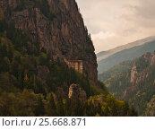 Купить «Convent in rock», фото № 25668871, снято 2 мая 2016 г. (c) Давидич Максим / Фотобанк Лори