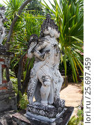 Купить «Hindu statue in Buddhist Monastery Brahma Vihara Ashrama, Wihara Buddha Banjar, Bali, Indonesia», фото № 25697459, снято 26 марта 2014 г. (c) mauritius images / Фотобанк Лори