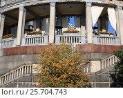Купить «Три окна ресторана Северного речного вокзала», фото № 25704743, снято 30 сентября 2007 г. (c) Valeriy Novikov / Фотобанк Лори