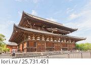Купить «Зал Кондо (1603 г.) храма Тодзи в Киото. Национальное сокровище Японии и объект ЮНЕСКО», фото № 25731451, снято 23 июля 2016 г. (c) Иван Марчук / Фотобанк Лори