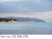 Геленджик, маяк на Толстом мысу (вид с Тонкого Мыса), эксклюзивное фото № 25766735, снято 4 октября 2016 г. (c) Dmitry29 / Фотобанк Лори