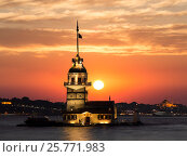 Купить «Вид на Девичью башню на закате, Стамбул, Турция», фото № 25771983, снято 22 июня 2015 г. (c) Наталья Волкова / Фотобанк Лори