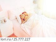 Купить «happy couple sleeping in bed at home», фото № 25777227, снято 25 февраля 2016 г. (c) Syda Productions / Фотобанк Лори