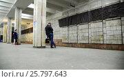 Купить «Volgograd, Russia - November 01. 2016. Tram to Komsomolskaya - station of underground high-speed», видеоролик № 25797643, снято 30 ноября 2016 г. (c) Володина Ольга / Фотобанк Лори