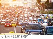 Купить «Wide city street full of cars», фото № 25819091, снято 19 августа 2016 г. (c) Юрий Губин / Фотобанк Лори