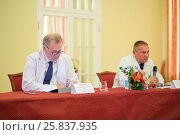 Купить «MOSCOW - MAY 19, 2015: Director of the Burdenko Institute of Neurosurgery Academician A. Potapov and head of the Department of Radiology and Radiosurgery Professor A. Galanov at the press conference for the journalists», фото № 25837935, снято 19 мая 2015 г. (c) Losevsky Pavel / Фотобанк Лори