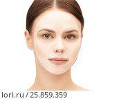 Купить «close up of woman with collagen facial mask», фото № 25859359, снято 2 апреля 2011 г. (c) Syda Productions / Фотобанк Лори