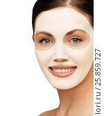 Купить «close up of woman with collagen facial mask», фото № 25859727, снято 6 января 2013 г. (c) Syda Productions / Фотобанк Лори