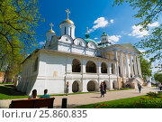 Купить «The ortodox church of the Spaso-Preobrazhensky Monastery. Yaroslavl, Russia.», фото № 25860835, снято 8 мая 2016 г. (c) Юрий Дмитриенко / Фотобанк Лори