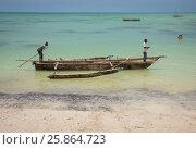 Рыбаки плывут в лодке (2017 год). Редакционное фото, фотограф Ольга Коркина / Фотобанк Лори