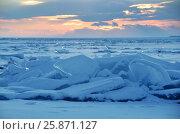 Купить «Озеро Байкал. Ледяные торосы на закате», фото № 25871127, снято 19 октября 2018 г. (c) Овчинникова Ирина / Фотобанк Лори