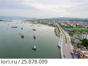 Ha Long bay, northern Vietnam (2016 год). Редакционное фото, фотограф Александр Подшивалов / Фотобанк Лори