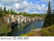 Marble quarry in Ruskeala (2015 год). Редакционное фото, фотограф Михаил Коханчиков / Фотобанк Лори