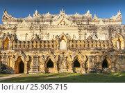 Maha Aungmye Bonzan Monastery complex, Inwa, Mandalay Region, Burma. Стоковое фото, агентство BE&W Photo / Фотобанк Лори