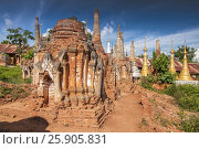 Купить «Buddhist stupas of Shwe Inn Thein Paya, pagoda complex, Inthein, Indein, Shan State, Myanmar», фото № 25905831, снято 17 февраля 2020 г. (c) BE&W Photo / Фотобанк Лори