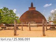 Купить «Jetavanaramaya dagoba in the ruins of Jetavana in the sacred world heritage city of Anuradhapura, Sri Lanka», фото № 25906091, снято 23 июля 2019 г. (c) BE&W Photo / Фотобанк Лори