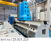Купить «Machining Centre, CNC, Vertical lathe, Design, manufacture and installation of machine tools, Gipuzkoa, Basque Country, Spain, Europe», фото № 25921223, снято 16 февраля 2017 г. (c) age Fotostock / Фотобанк Лори