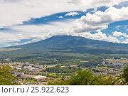 Купить «Вид священной горы Фудзи (Фудзияма) с горы Тэндзё, Япония», фото № 25922623, снято 8 августа 2016 г. (c) Иван Марчук / Фотобанк Лори