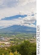 Купить «Вид священной горы Фудзи (Фудзияма) с горы Тэндзё, Япония», фото № 25922631, снято 8 августа 2016 г. (c) Иван Марчук / Фотобанк Лори