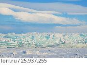 Купить «Сибирь, поле торосов на Байкале», фото № 25937255, снято 4 июня 2020 г. (c) Овчинникова Ирина / Фотобанк Лори