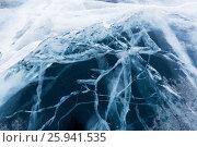 Купить «Лед с трещинами, Байкал, крупный план», фото № 25941535, снято 12 марта 2017 г. (c) Илья Бесхлебный / Фотобанк Лори