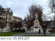 Купить «Памятник Вольфгангу Амадею Моцарту в саду Бурггартен в Вене, Австрия», фото № 25954267, снято 30 ноября 2012 г. (c) Free Wind / Фотобанк Лори