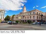 Купить «Freedom square in Tbilisi, Georgia», фото № 25976763, снято 25 сентября 2016 г. (c) Elena Odareeva / Фотобанк Лори