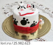 Самодельный торт с собаками долматинцами (2017 год). Редакционное фото, фотограф Игорь Низов / Фотобанк Лори