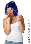 Купить «Happy girl with blue wig showing the thumb», фото № 26003287, снято 6 июля 2011 г. (c) Tatjana Romanova / Фотобанк Лори