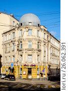 Купить «Москва, 4-й Ростовский переулок, дом 2, строение 2», фото № 26062391, снято 17 апреля 2017 г. (c) glokaya_kuzdra / Фотобанк Лори