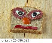 Купить «Funny sandwich», фото № 26086323, снято 25 апреля 2017 г. (c) Александр Fanfo / Фотобанк Лори