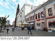 Купить «People walk in a Bauman walking street in a center of Kazan, Tatarstan, Russia», фото № 26094687, снято 25 августа 2015 г. (c) Жукова Юлия / Фотобанк Лори