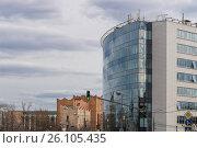 Большое современное офисное здание. Стоковое фото, фотограф Малахов Алексей / Фотобанк Лори