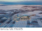 Купить «Gas processing plant, a top view», фото № 26116675, снято 21 апреля 2017 г. (c) Владимир Мельников / Фотобанк Лори