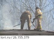 Купить «Пожар в гаражном массиве», фото № 26155379, снято 3 мая 2017 г. (c) Андрей Забродин / Фотобанк Лори