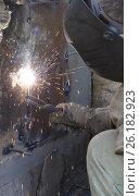 Сварочные работы. Стоковое фото, фотограф Игорь Хамицаев / Фотобанк Лори