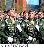 Купить «Генеральная репетиция парада в честь Дня Победы на Красной площади 7 мая 2017 года. Курсанты Военно-космической академии им. Можайского», фото № 26186451, снято 7 мая 2017 г. (c) Free Wind / Фотобанк Лори
