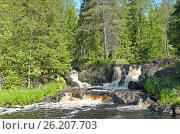 Купить «Водопады на реке Тохмайоки, Карелия», фото № 26207703, снято 10 июня 2014 г. (c) Сапрыгин Сергей / Фотобанк Лори