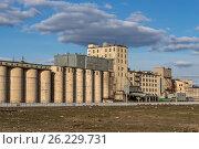 Старый комплекс по переработке зерна в Москве, Сокольники. Стоковое фото, фотограф Малахов Алексей / Фотобанк Лори