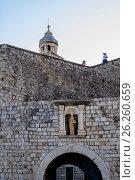 Купить «Крепостные стены-достопримечательность Старого Города. Дубровник, Хорватия.», фото № 26260659, снято 25 августа 2016 г. (c) Устенко Владимир Александрович / Фотобанк Лори