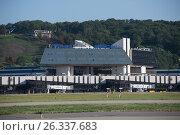 Здание Международного аэропорта Сочи (2016 год). Редакционное фото, фотограф Екатерина Лызлова / Фотобанк Лори