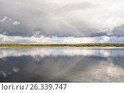 Выборг, парк Монрепо, радуга над бухтой Защитного Выборгского залива, эксклюзивное фото № 26339747, снято 24 сентября 2016 г. (c) Константин Косов / Фотобанк Лори