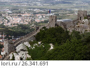 Castle of the Moors in Sintra, Portugal, фото № 26341691, снято 10 мая 2017 г. (c) Лиляна Виноградова / Фотобанк Лори