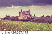 Купить «Alcazar of Segovia in cloudy day», фото № 26367175, снято 16 ноября 2014 г. (c) Яков Филимонов / Фотобанк Лори