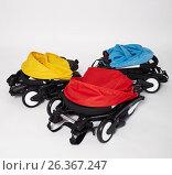 Купить «Детские коляски yoya», фото № 26367247, снято 11 декабря 2018 г. (c) Юлия Бурдакова / Фотобанк Лори