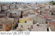 Colored houses and nature of ancient city Montblanc in Catalonia (2017 год). Стоковое видео, видеограф Яков Филимонов / Фотобанк Лори