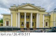 Купить «Московская хоральная синагога весной, Большой Спасоглинищевский переулок 10», эксклюзивное фото № 26419511, снято 27 мая 2017 г. (c) Виктор Тараканов / Фотобанк Лори