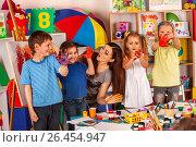 Купить «Small students girl finger painting in art school class.», фото № 26454947, снято 25 марта 2017 г. (c) Gennadiy Poznyakov / Фотобанк Лори
