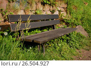 Купить «Wooden bench in fron of a stone wall, Germany, Odenwald», фото № 26504927, снято 26 апреля 2014 г. (c) age Fotostock / Фотобанк Лори
